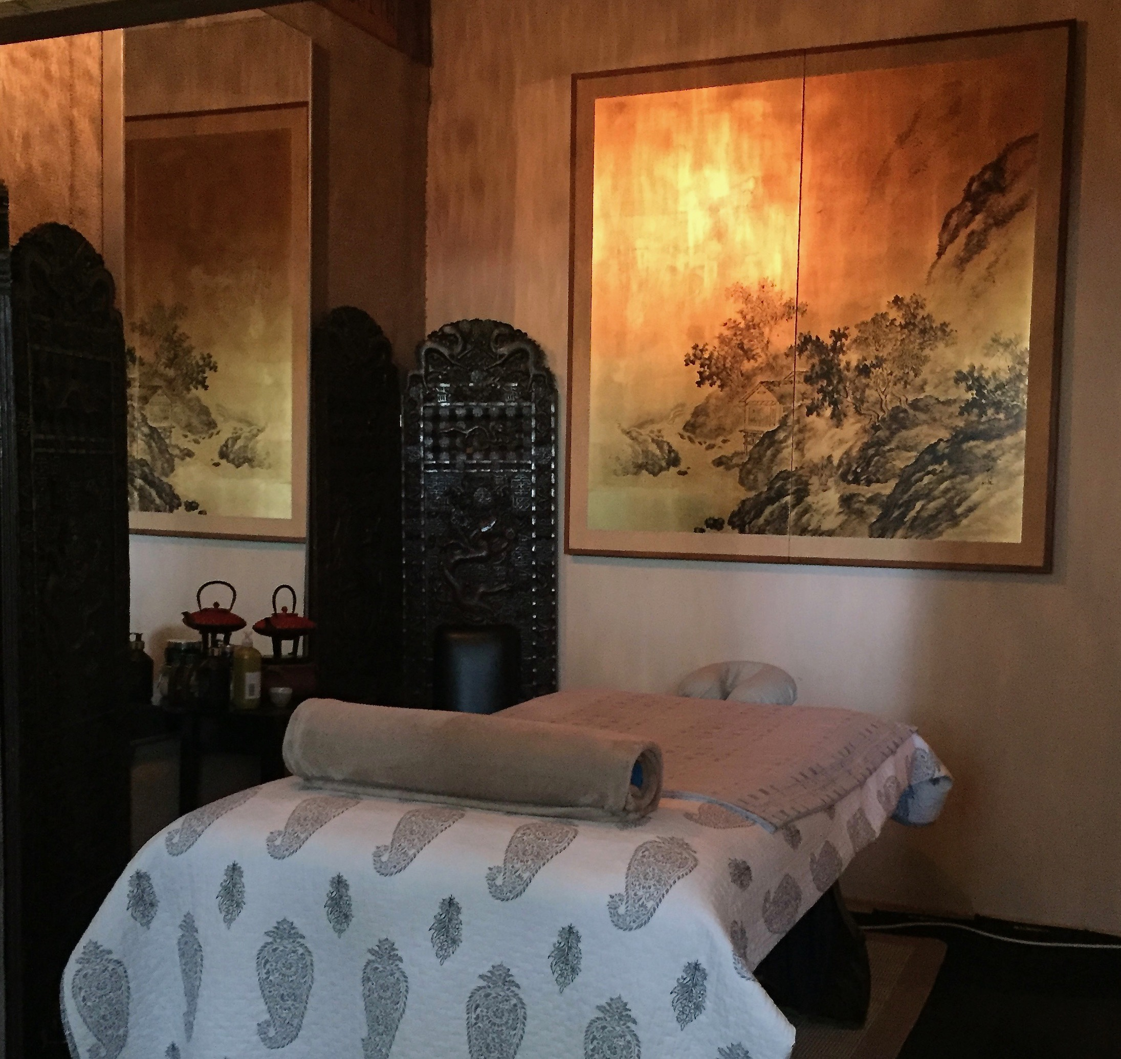 Massage Room / Massage Therapy